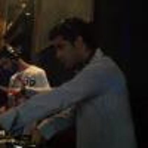 AMIR UZAN's avatar