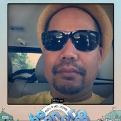 Edison Vee's avatar