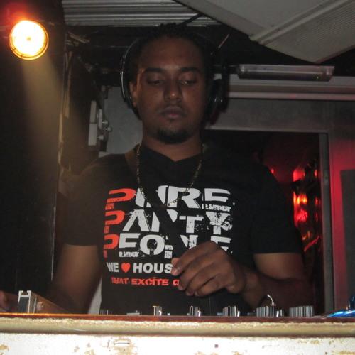 DJ Crazy Phil's avatar