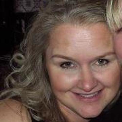 Julia Cawthorn's avatar