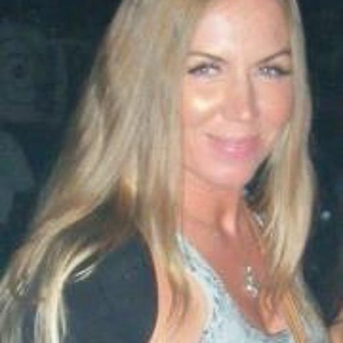 Angela Lantsia's avatar