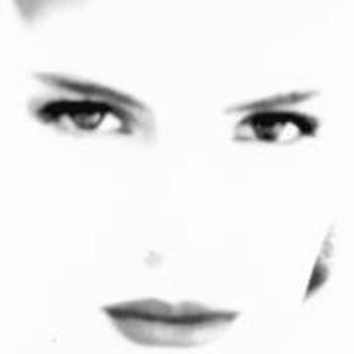 Nicole Oniki's avatar