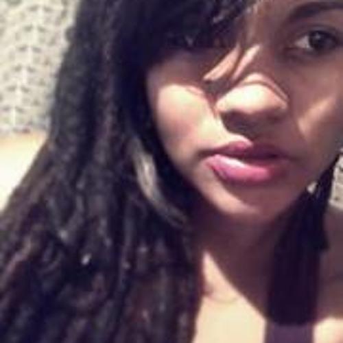 Ariana Bitencourt's avatar