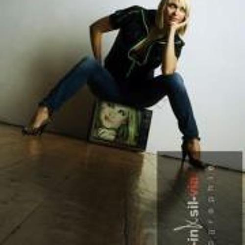 Claudia_M's avatar