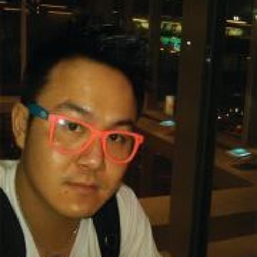 Mana Phuphook's avatar