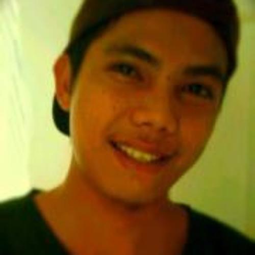 Yannick OftheKings's avatar