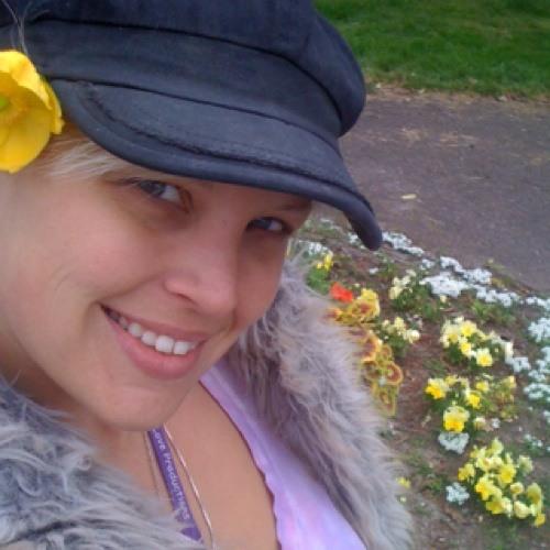 cozmicgirl's avatar