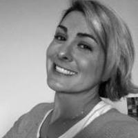 Mia Macy's avatar