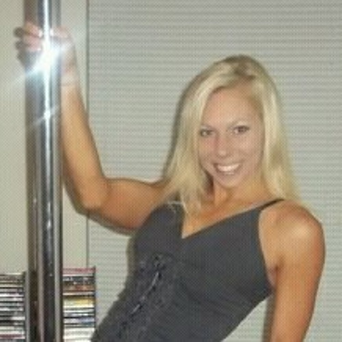 Julie Hosley's avatar