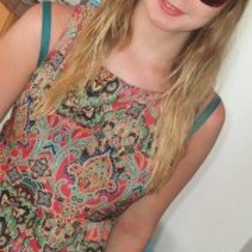 Chloé Hallam's avatar