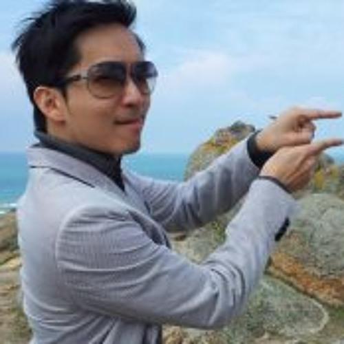 Jonathan Loo's avatar