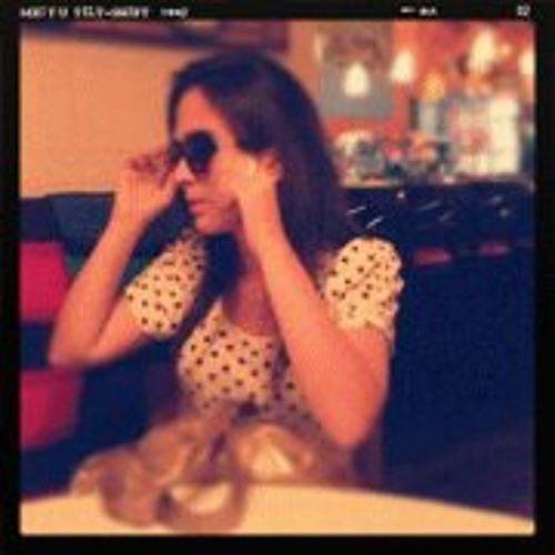 Larissa Ramos Ortiz's avatar