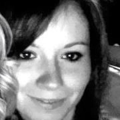 Lisa Rav'euze's avatar