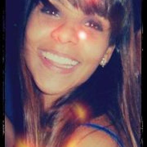 Marcela Gontijo's avatar
