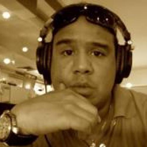 Nicky Manuputty's avatar