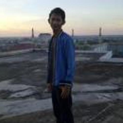 Eza AlLfian Maulana's avatar