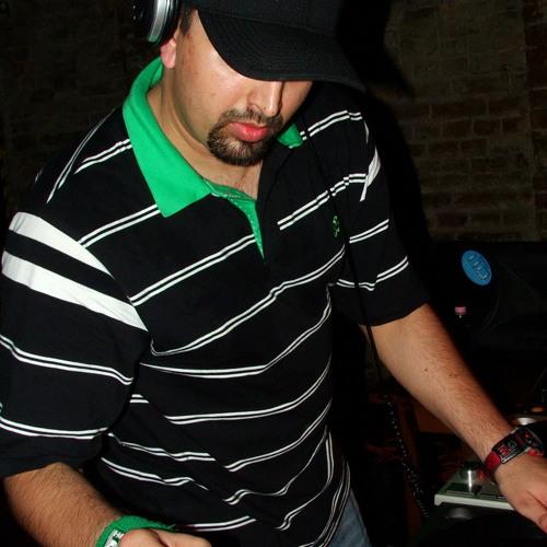 Simon DJ's avatar