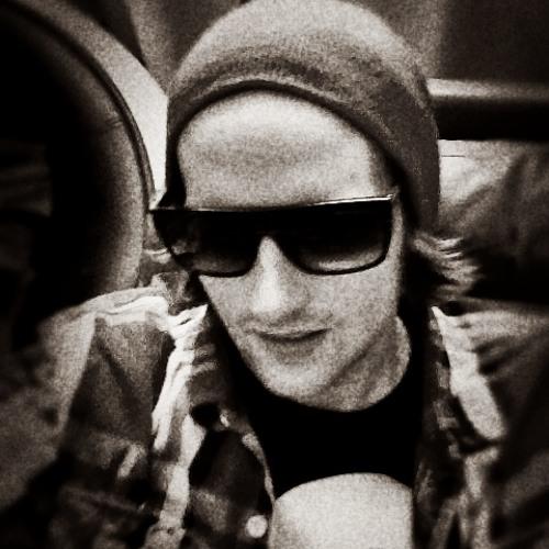 Luke Beat Walker's avatar