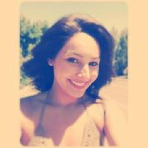 Danielle Garcia 8's avatar