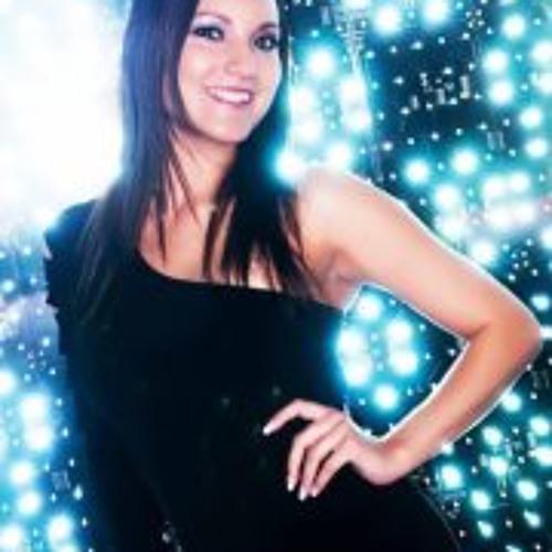 Amy Rosas's avatar