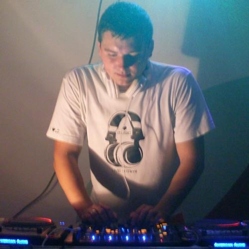 DJXAVI's avatar