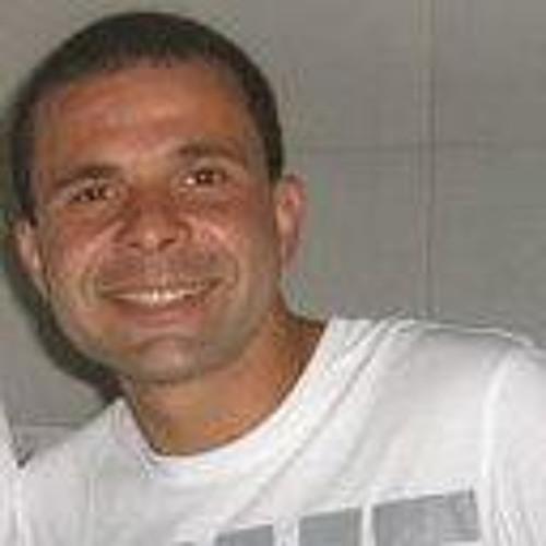 Milton Azevedo Junior's avatar