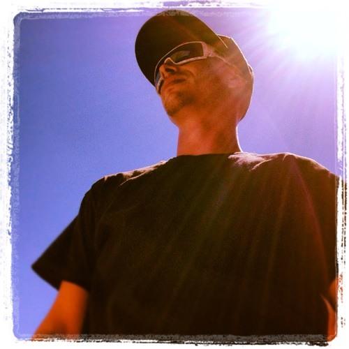 lucas j's avatar