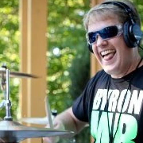 Derek Hoiem's avatar