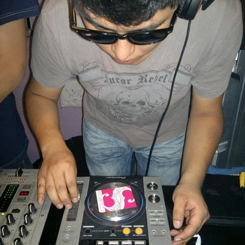Victor R (SJ)'s avatar