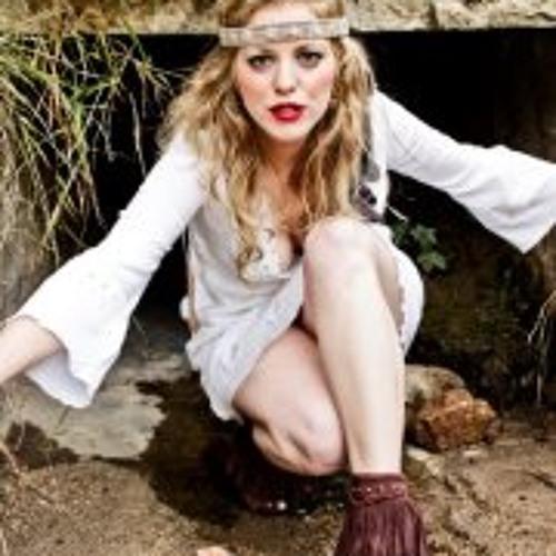 Allie White 2's avatar