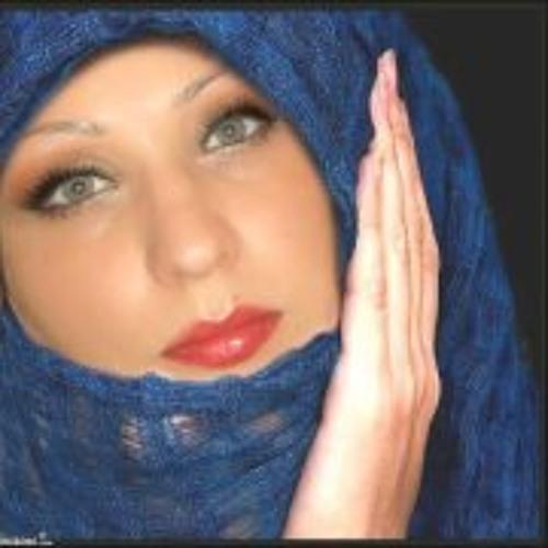 Laura Chrara's avatar