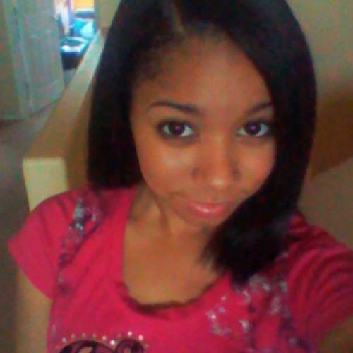 Rhianna<3's avatar