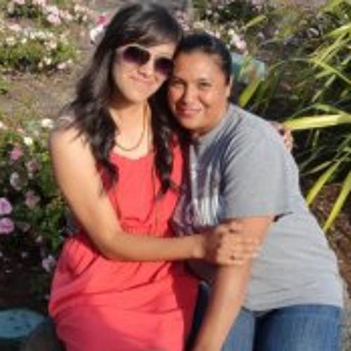 Rosa Valenzuela's avatar
