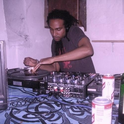 DJ Zero1's avatar