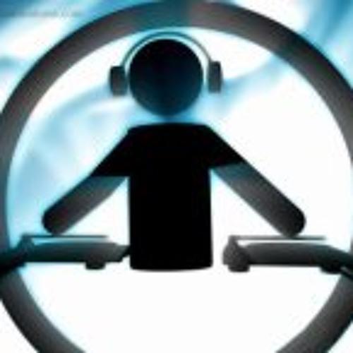 DjSemak Holmes's avatar