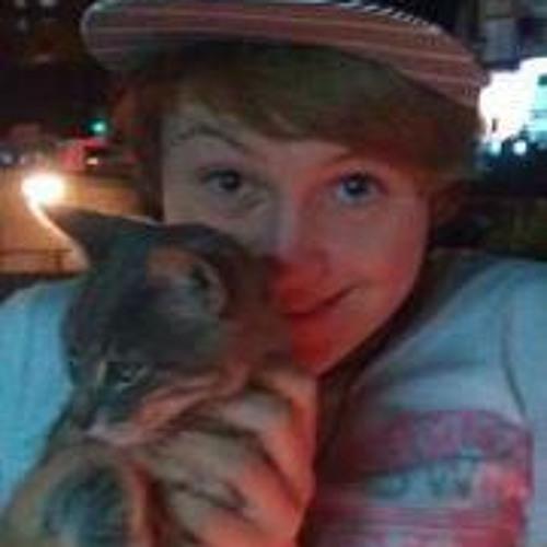 Hollie Newbold's avatar