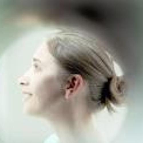 Monica Jitariuc's avatar