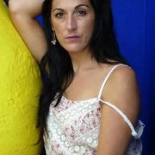 Eva Maybe's avatar