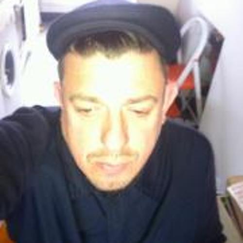 Luke Una's avatar