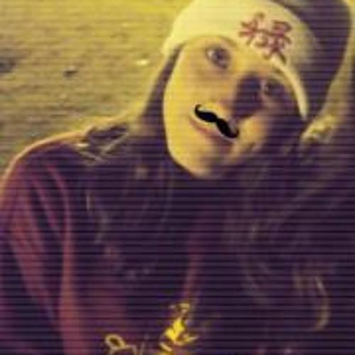 Ana Izabel's avatar