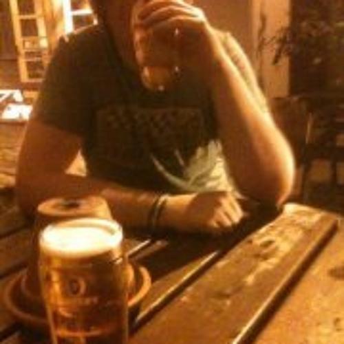 Tom Andrews 5's avatar
