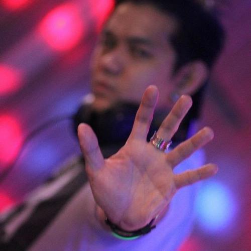 DJ Justin Nakazawa's avatar
