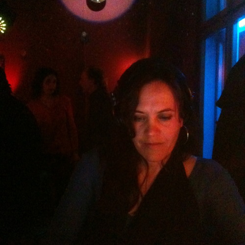 DJ Annouscka's avatar