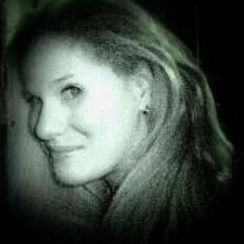 Ana Bonfanti's avatar