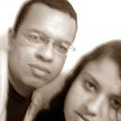 Tiago & Camila's avatar