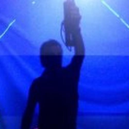 ZeTo Mix's avatar