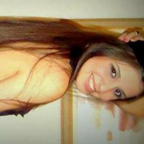Taynara Almeida's avatar