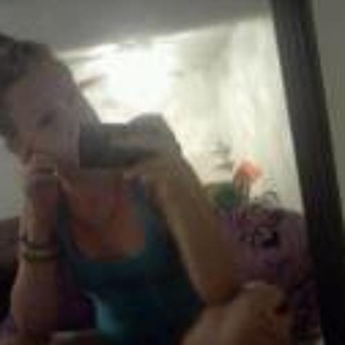 Kelly Ann (:'s avatar