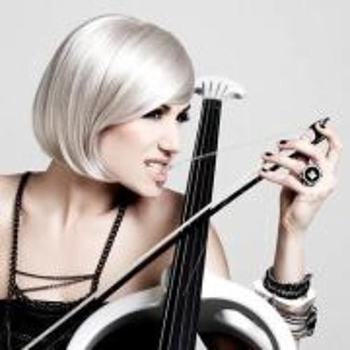 Ana Rucner's avatar