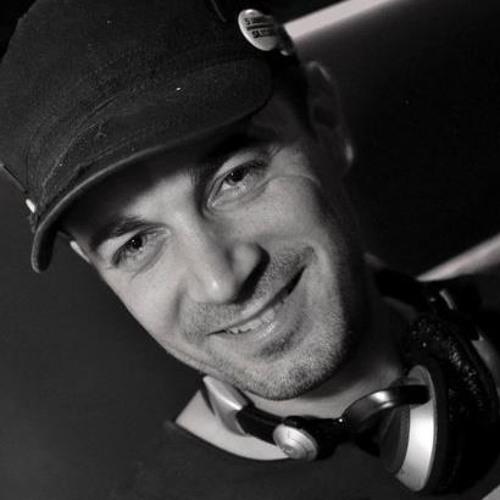 Timo Di Roy's avatar